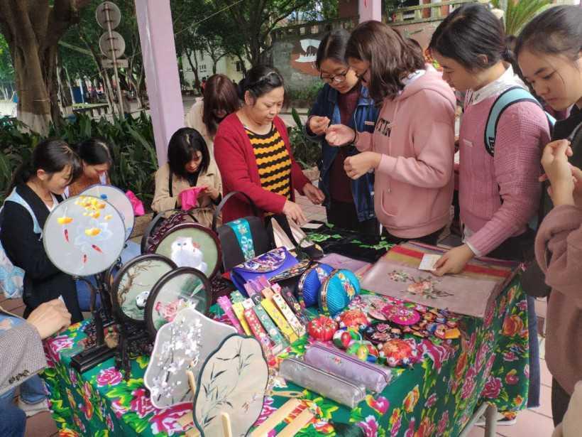 Double-Ninth-Festival-in-Chongqing