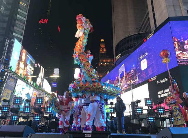 Chongqing's Tongliang Dragon Dance Stunning the World in Times Square