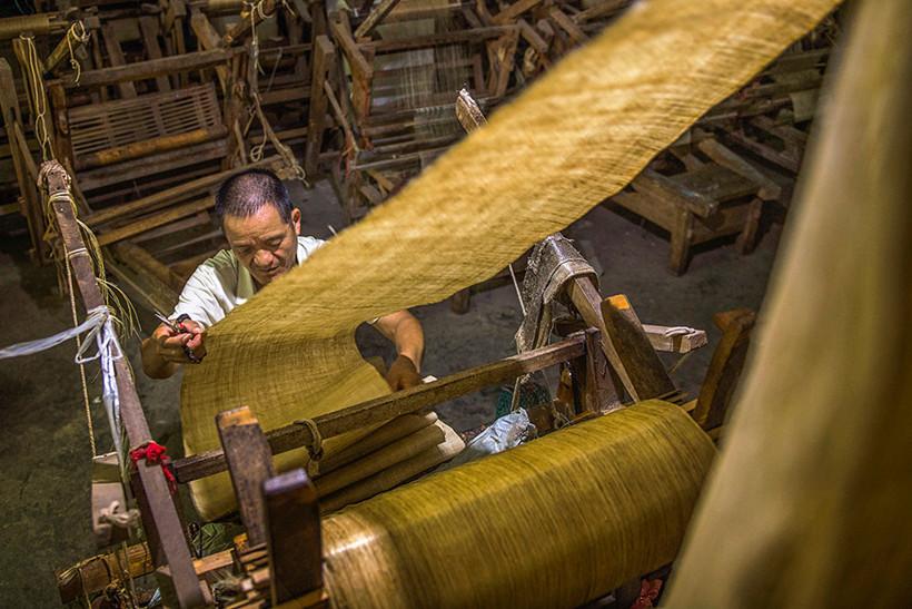 Ramie-weaving