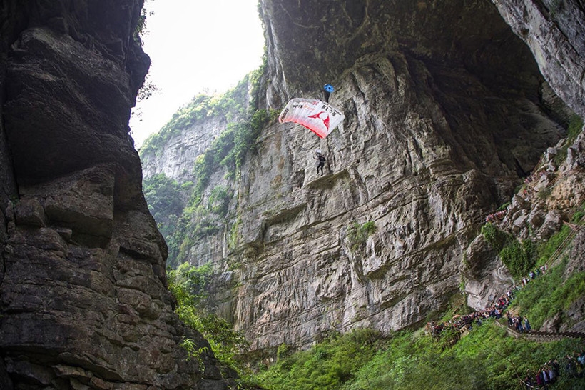 Base-Jumping-outdoor