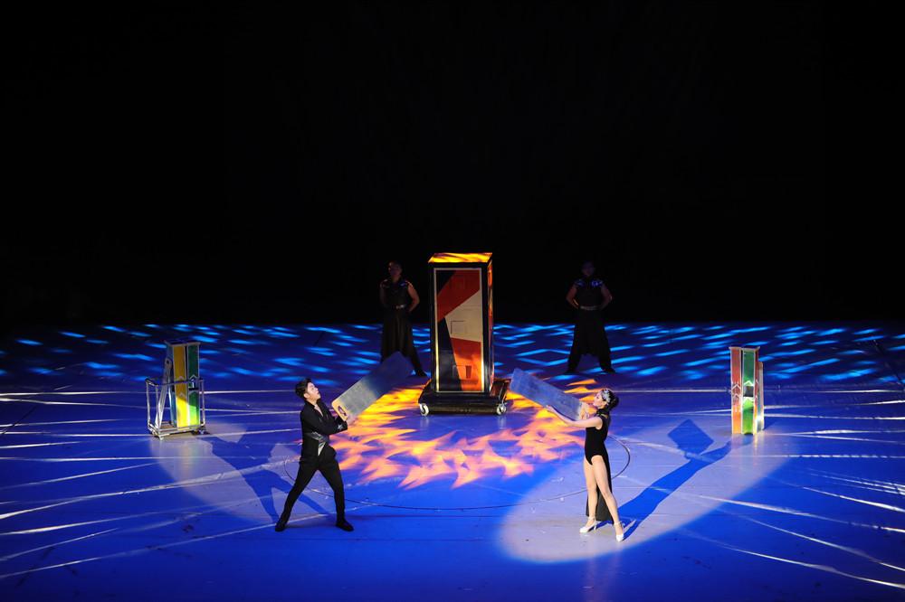 Acrobatic-Show-magic-show