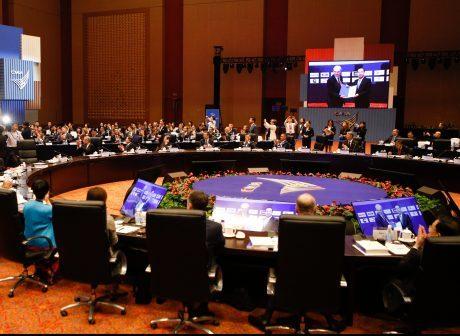 International Company Leaders Meet in Chongqing for Advisors Council