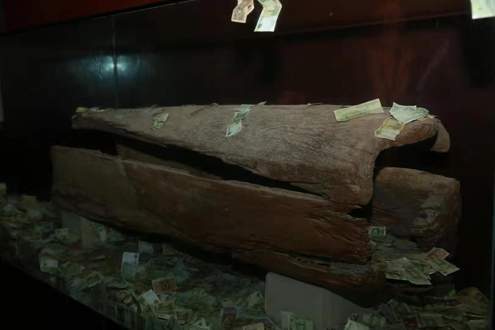 Cliff-coffin on display in Baidi City