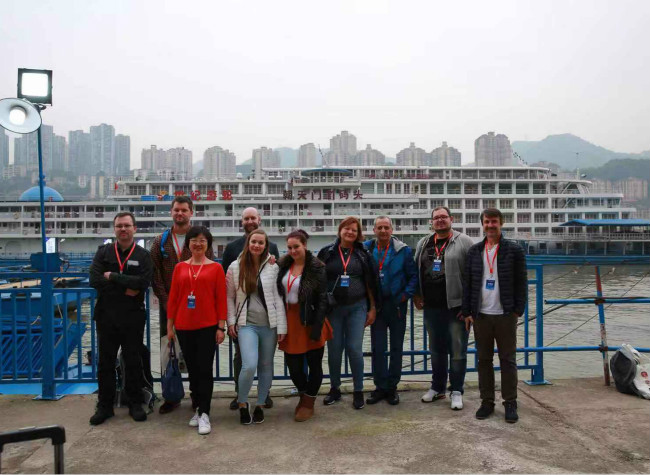 Global Travel Agents Set Out for Three Gorges Cruise Tour