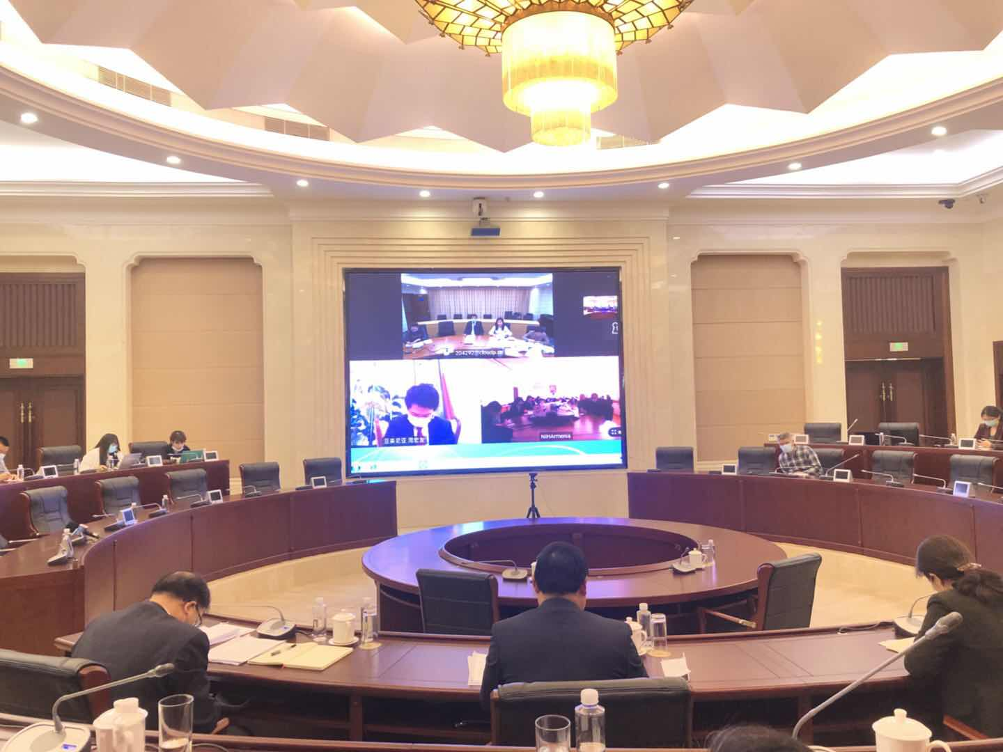 Chongqing epidemic prevention experts share COVID-19 prevention and control experience with their counterparts in Ukraine through video conference.