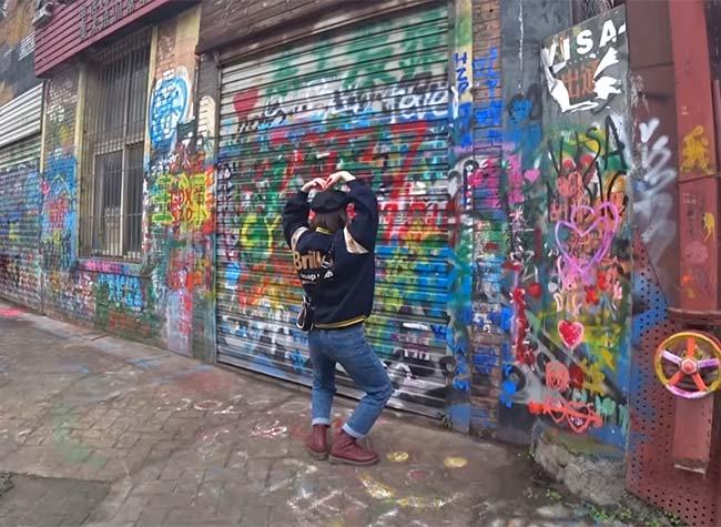 The World's Longest Graffiti Street Is In CHINA!! : Huangjueping Chongqing