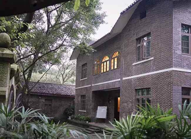 Go and Visit Sites of Embassies and Consulates in Chongqing