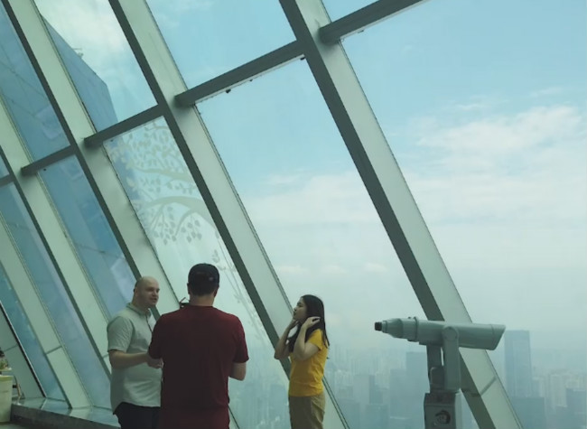 Explore the Sky View on the 73rd Floor of WFC | Xiao's Vlog