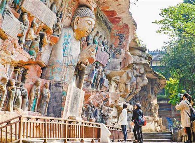 Beautiful Stones and Amazing Carvings in Dazu is Waiting for You