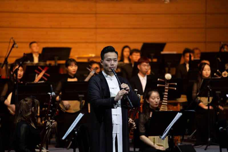The traditional orchestral concert Ba Yin Shu Yun — Traditional Chinese Music Carnival in Chongqing Guotai Arts Center.