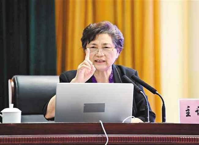 Academician Li Lanjuan Comes to Chongqing to Share Anti-Virus Experience