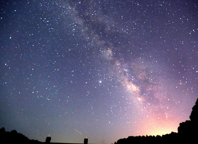 Find Marvelous Starry Sky in Chongqing's Romantic Summer Night