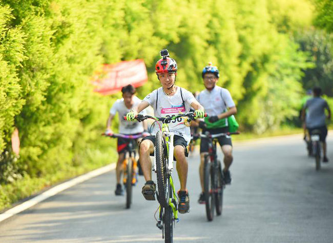 Romantic Bicycle Competition Kicks Off in Tongliang Chongqing