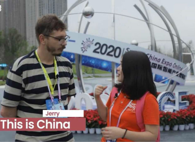 YouTuber Jerry at SCE:  People in China Live in the Future!