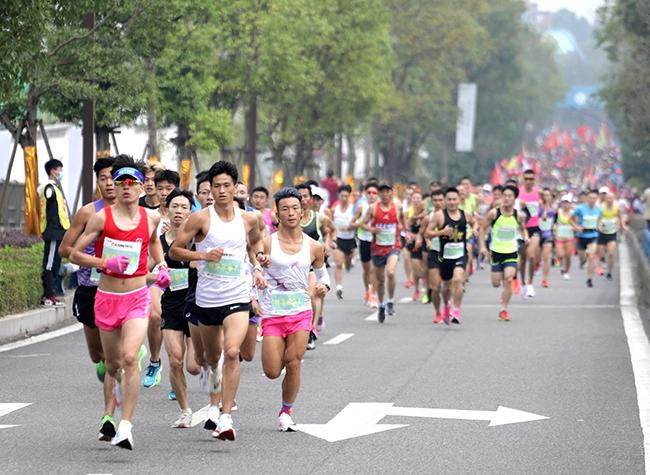 Run for Fun - 2020 Dazu Longshui Lake Half Marathon Kicks Off