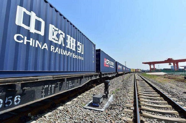 Sichuan, Chongqing Work Together to Open Inland China Wider to the World