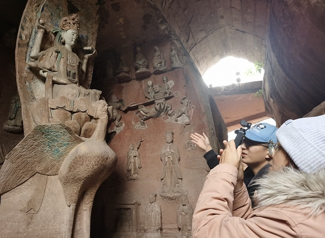 YouTubers Travel at Dazu: Impressed by this Amazing Heritage