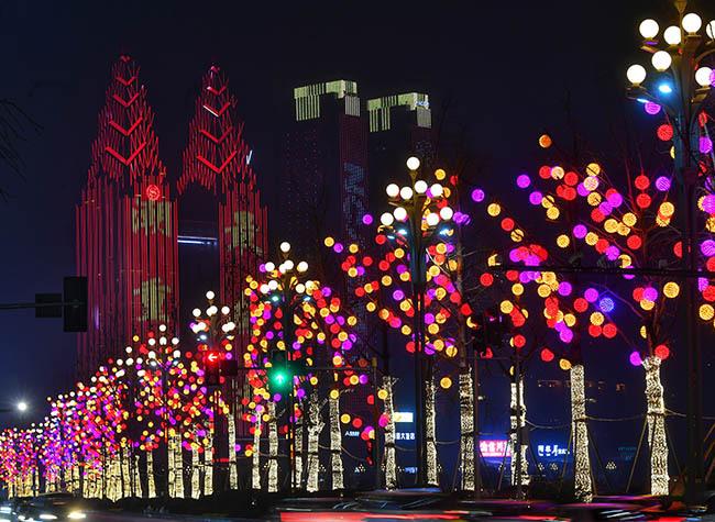 Bright Lantern Exhibits Shine Across Chongqing as Spring Vibes Blossom!