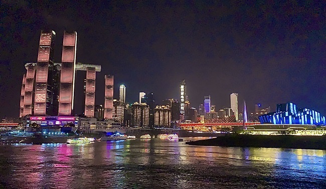 ASEAN Guests Enjoy 'Marvelous' Night View in SW China
