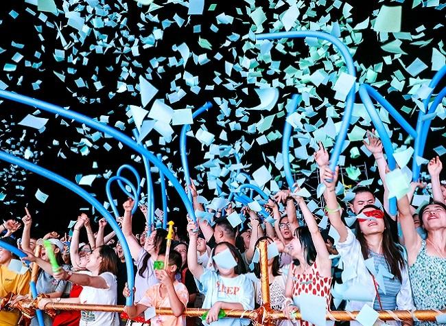 Come to Enjoy the Beer · Camping · Music Carnival Season in Fengdu Nantian Lake