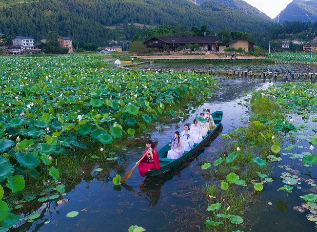 140 Routes to Explore the Countryside of Chongqing in Summer