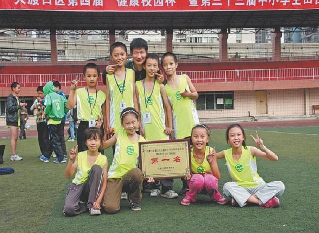 A teacher's sacrifice: Great Love for Mr. Wang Hongxu